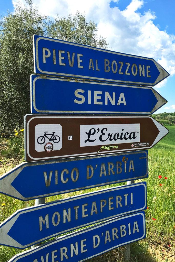 Ezen az útvonalon halad a L'Eroica verseny is