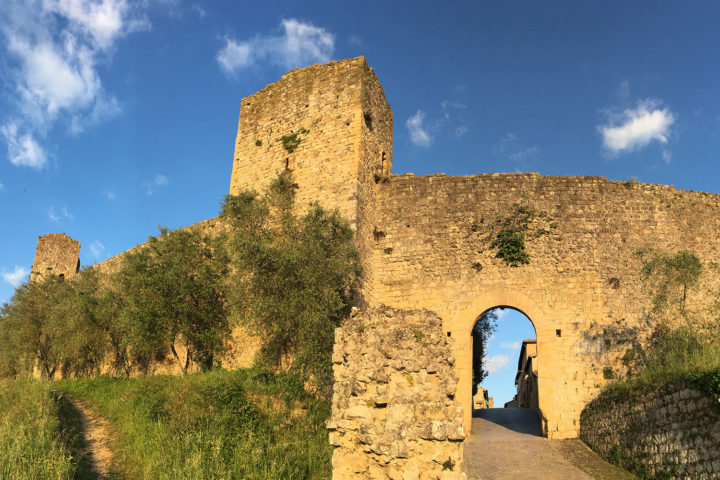 Monteriggioni vára