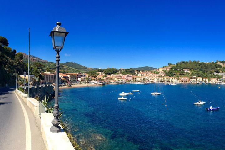 Az egyik legszebb kis tengerparti falu Elbán, Porto Azzuro