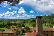 A Monte Pisano egyik leglátványosabb kisvárosa, személyes kedvenc a környéken.