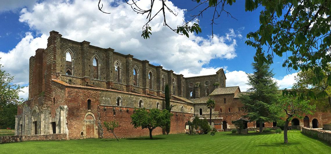 San Galgano elhagyott kolostorja