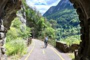 Az útvonal legszebb része Pontebba után kezdődik. Chiusafortéig rengeteg alagúton kell átmenni.